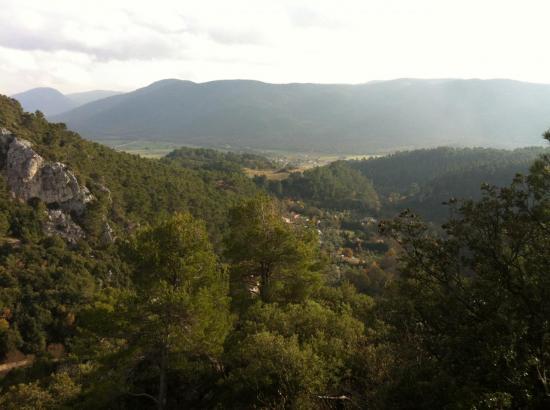 Vue panoramique sur Signes depuis Châteauvieux